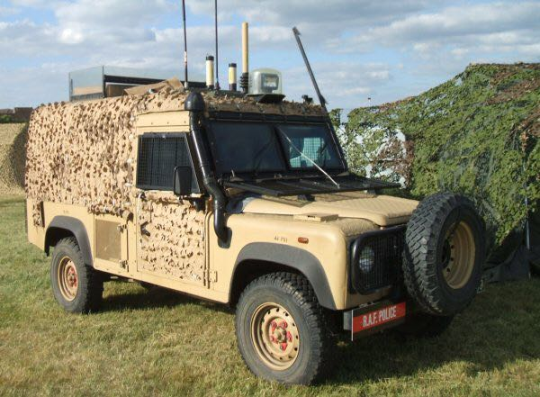 Snatch Land Rover Defender V8