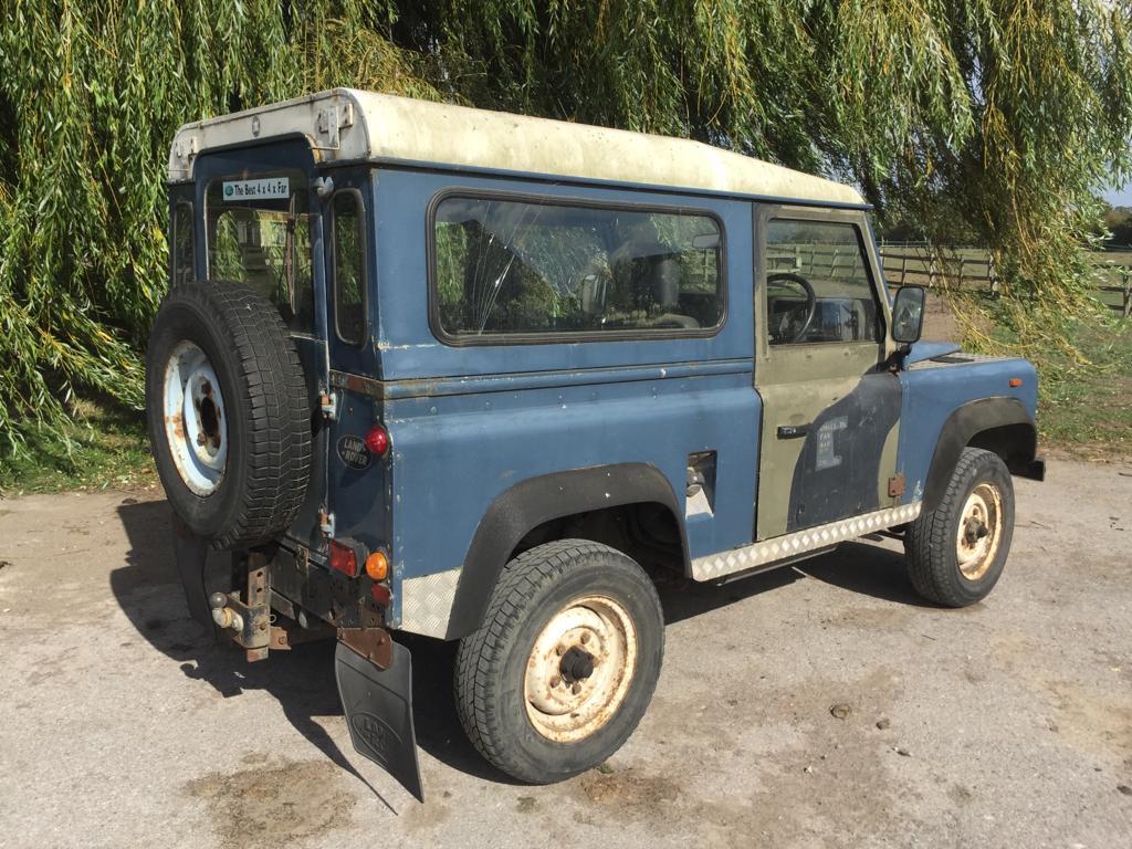 1990-USA-exportable-Land-Rover-90-03