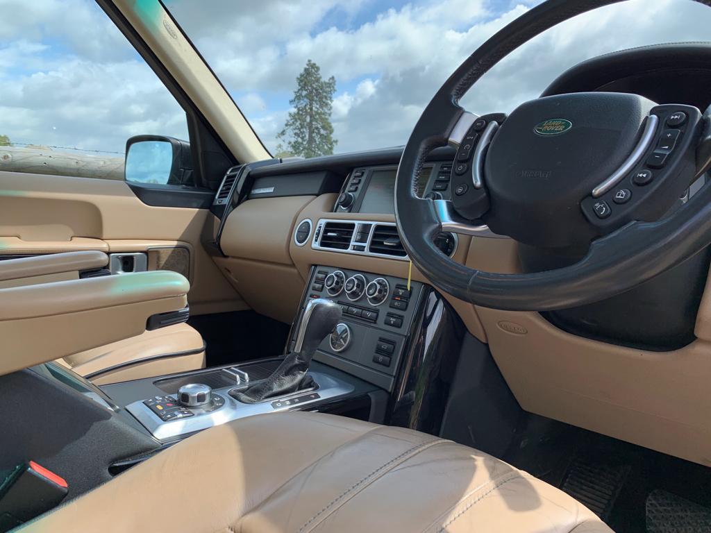 Range-Rover-Vogue-07