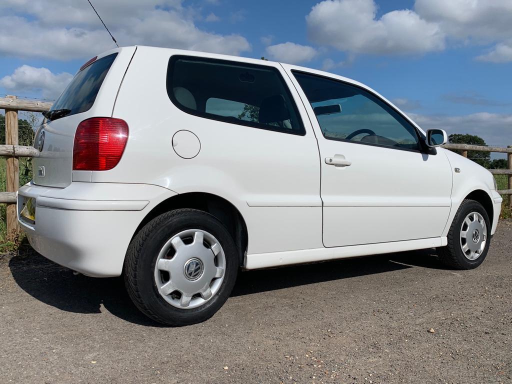 2001 VW Polo Match-07
