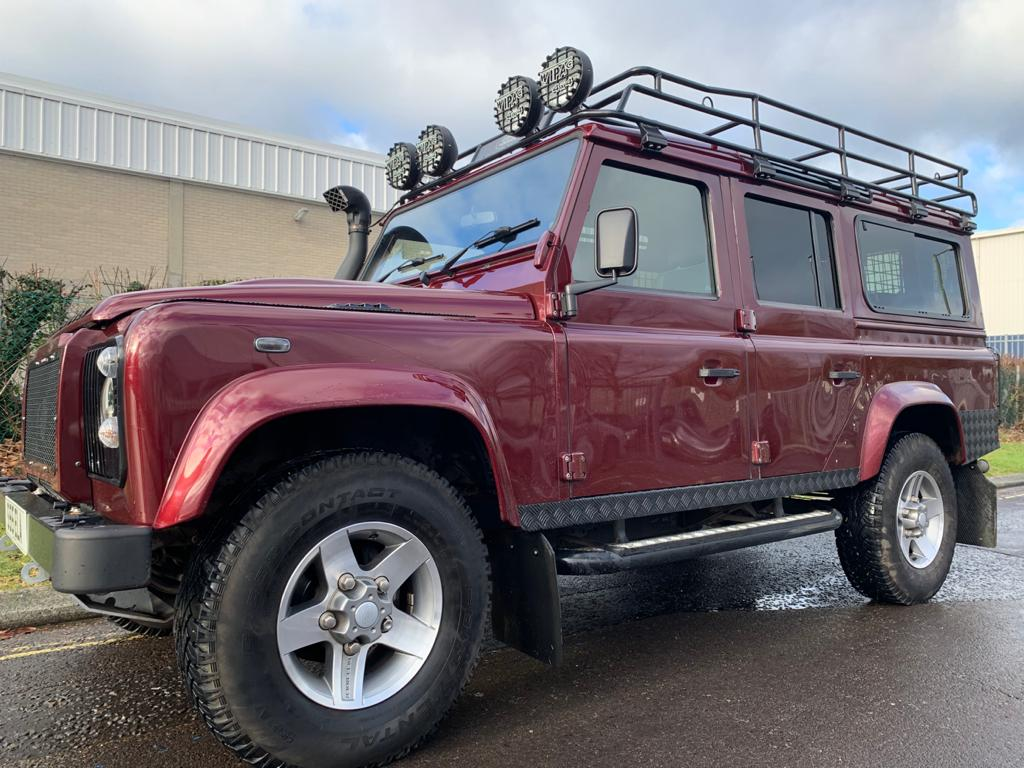 2015 Defender 110 XS station wagon-11