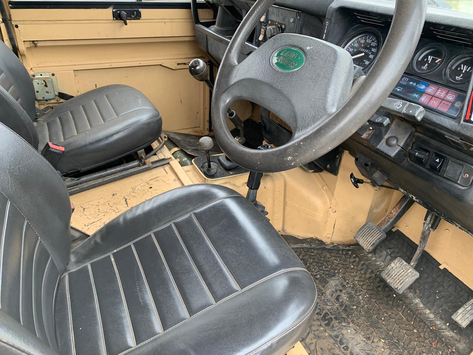 1990 Land Rover 110-06